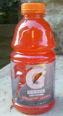 Thirsty Dudes :: Gatorade Perform 02 Watermelon Citrus