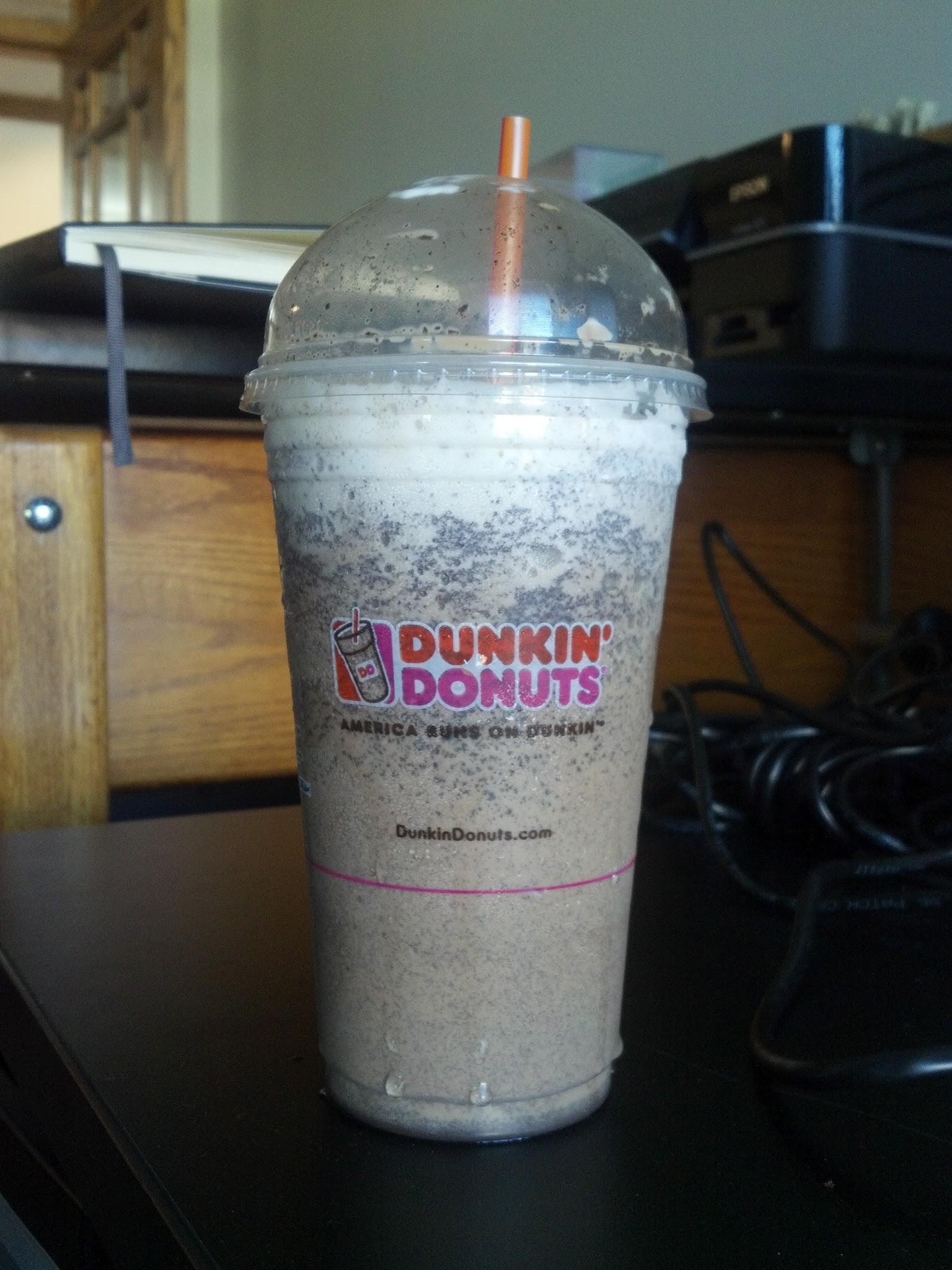 Thirsty Dudes :: Dunkin' Donuts Coolatta Oreo in Coffee
