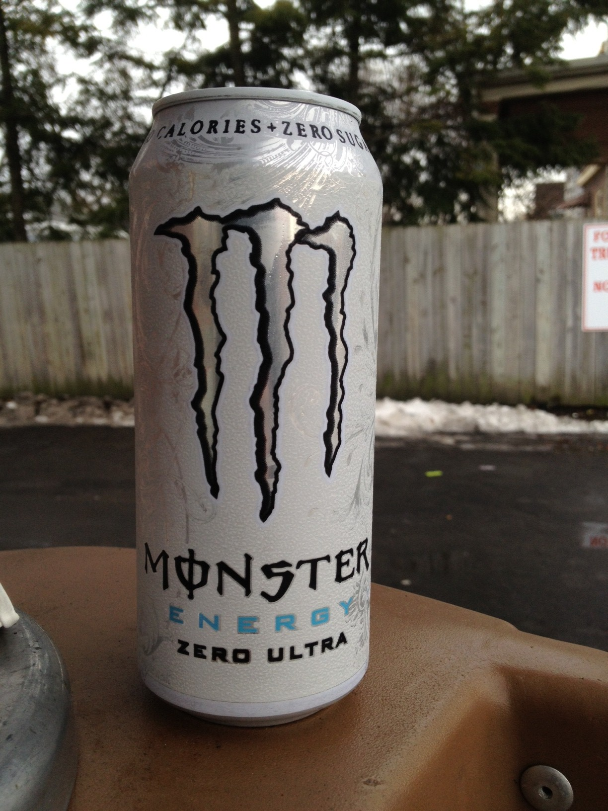Thirsty Dudes :: Monster Zero Ultra